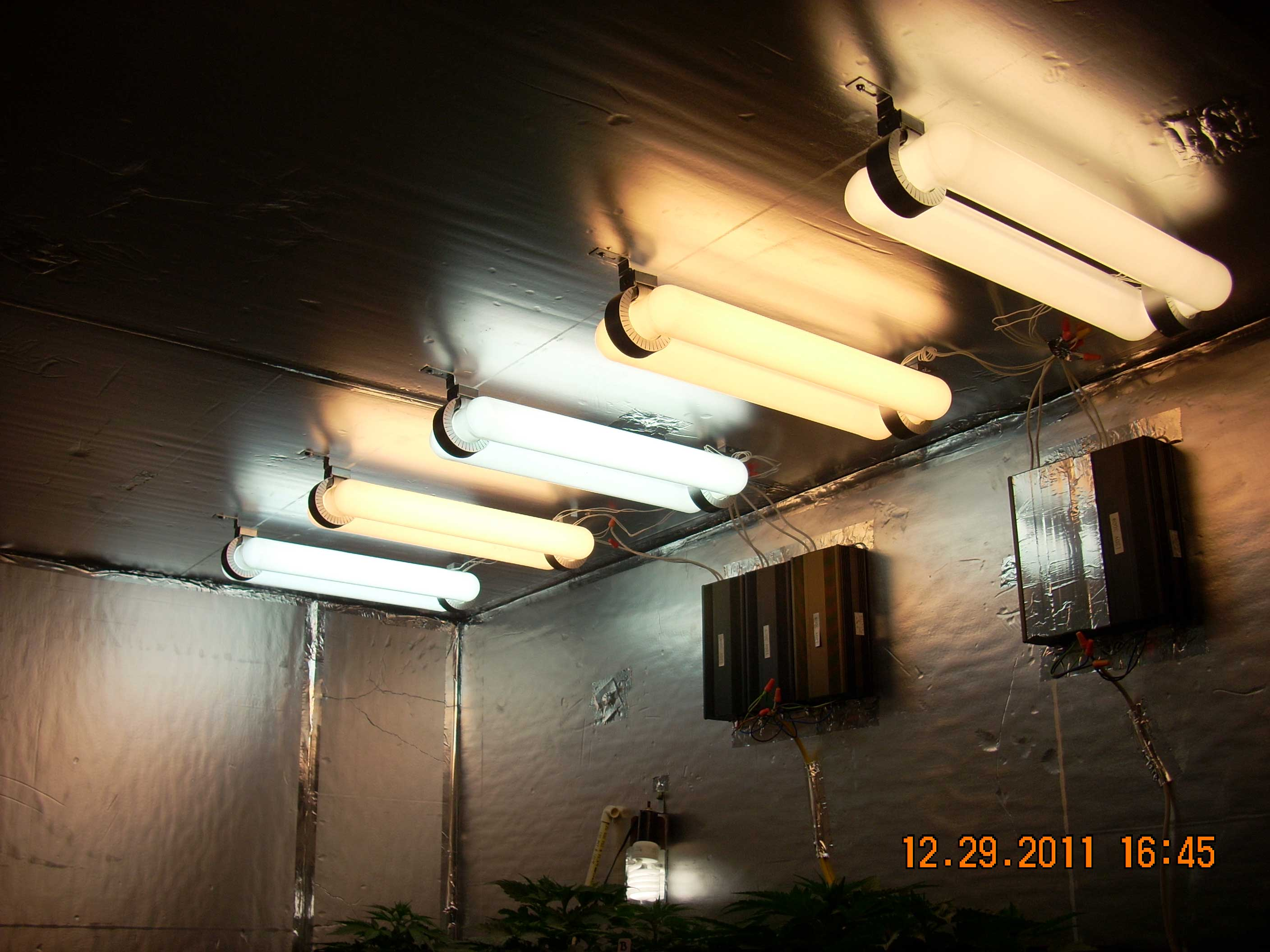 Indoor lighting without electricity