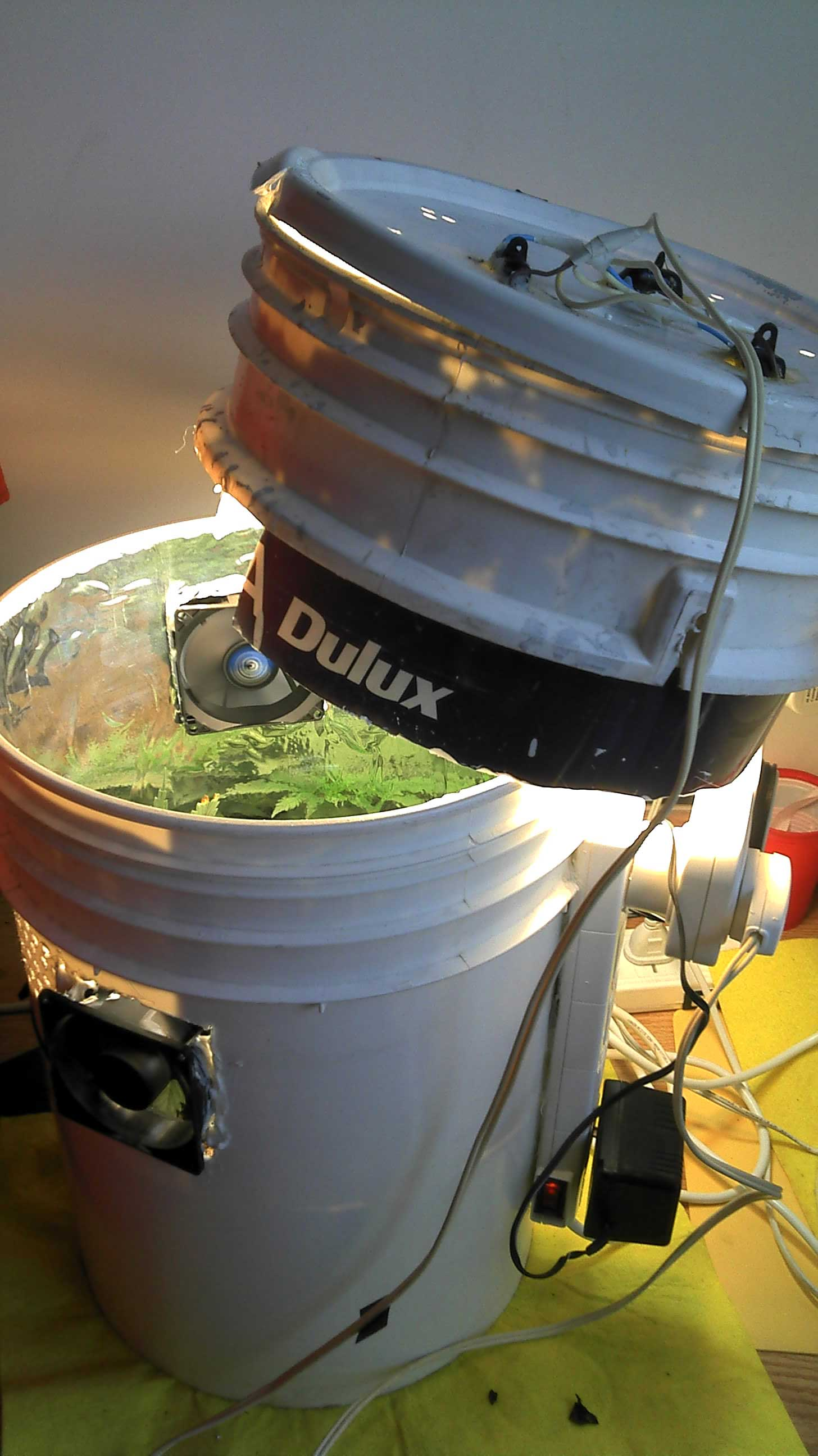 Grow Flowering Chamber1 How To 1 Equipment Set Up